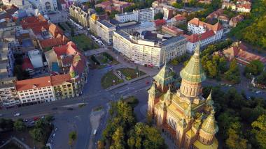 timisoara vedere de ansamblu cu piata catedralei