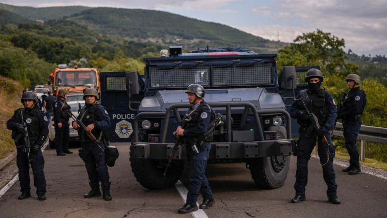 Kosovo police special unit secure the area near the Jarinje border crossing on September 20, 2021
