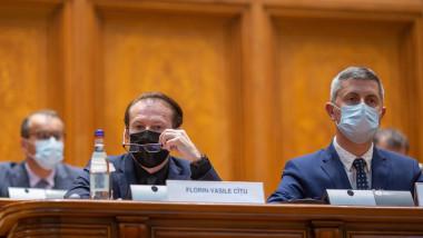 Florin Cțu și Dan Barna în Parlament.