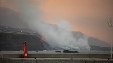 Lava vulcanului Cumbre Vieja din La Palma a început să formeze o deltă în Oceanul Atlantic.