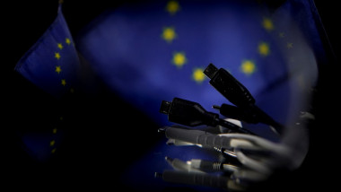 incarcator universal UE