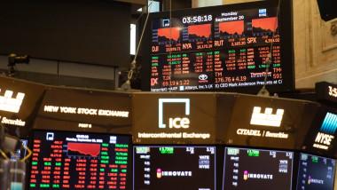 Bursa americană de pe Wall Street a închis şi ea în scădere. Foto: Profimedia Images