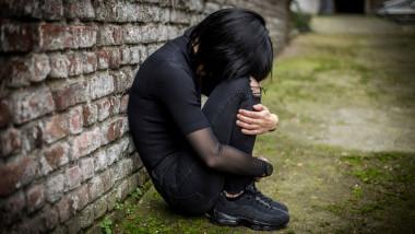 Mai mult de un adolescent din şapte cu vârste cuprinse între 10 şi 19 ani trăieşte cu o tulburare mintală diagnosticată.