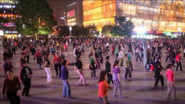 bunici dansatoare intr-un parc din china