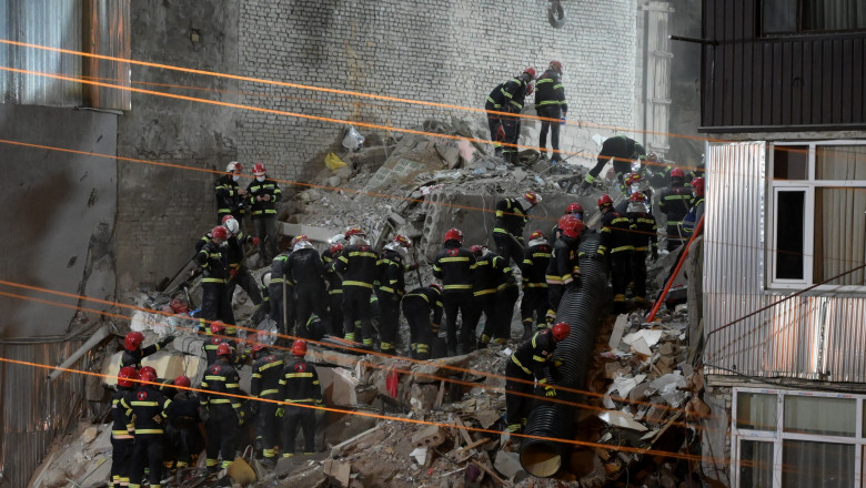 pompierii cauta supravietuitori printre daramaturi in georgia