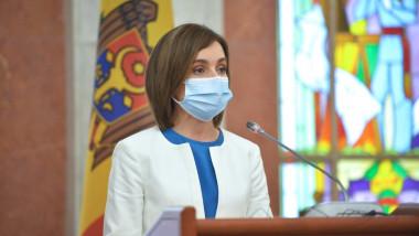 Maia Sandu cu mască de protecție, la pupitrul prezidențial al Republicii Moldova