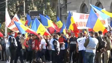 âteva mii de persoane au protestat sâmbătă în Capitală