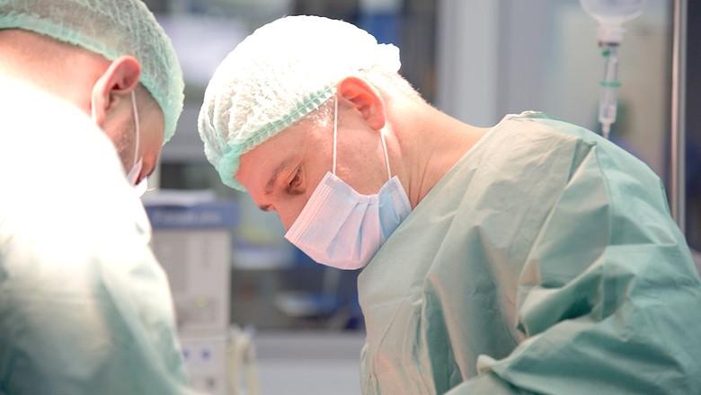 Lichen scleros si strictura uretrala, rezolvate cu succes la SANADOR