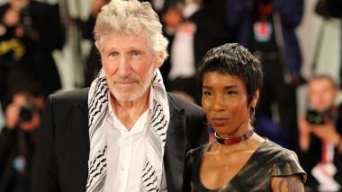 Roger Waters s-a căsătorit cu Kamilah Chavis