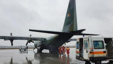 pacienti covid transferati cu ambulanta la aeroport si duci cu avionul in ungaria