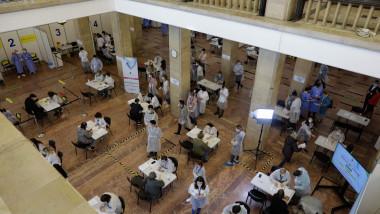 Centru de vaccinare de la Sala Palatului.