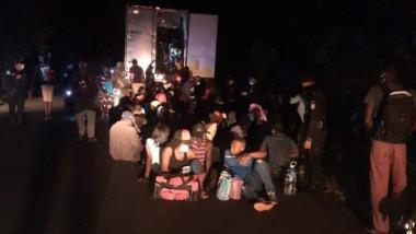 migranti eliberati din container