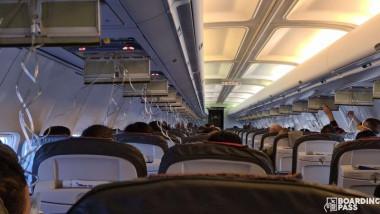 masti de oxigen cazute in avion