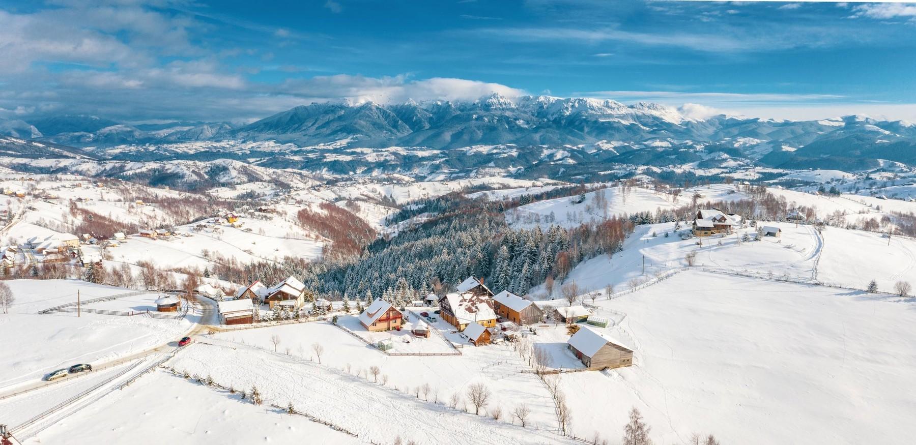 Încă un sezon în pandemie. Expert turism: Iarna 2021-2022, probabil cea mai scumpă de până acum, atât în țară, cât și în străinătate thumbnail