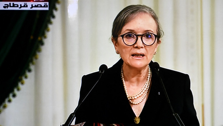Najla Bouden în conferință de presă