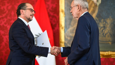 Alexander Schallenberg a fost învestit în funcția de cancelar al Austriei.
