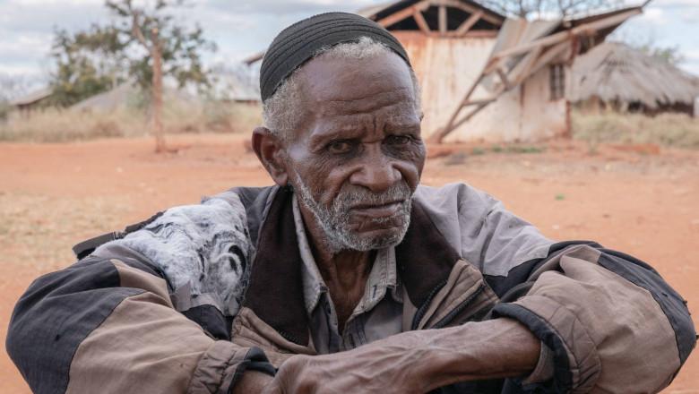 un bătrân dintr- comunitate locală din Sahel