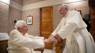 Papa Francisc și Papa emerit Benedict al XVI-lea