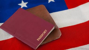 """SUA au emis primul paşaport cu """"genul X"""""""