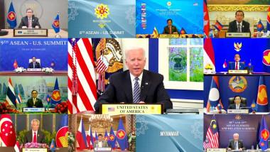 Joe Biden pe un monitor la conferința ASEAN ținută online.