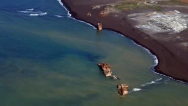 nave iesite din pacific de eruptia unui vulcan