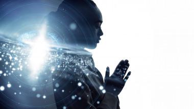 femeie care se roaga concept grafic pentru inteligenta articificiala si religie