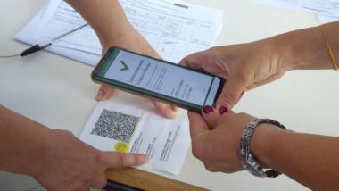 certificat covid verificat cu aplicatie