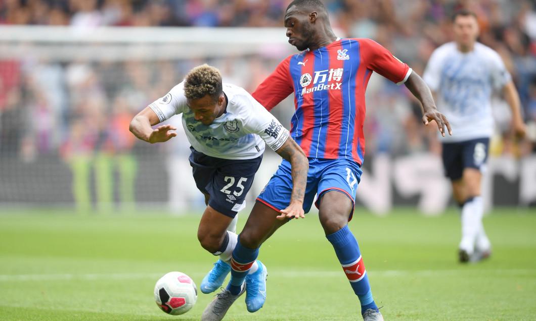Jean-Philippe Gbamin, în duel cu Christian Benteke, în Crystal Palace - Everton / Foto: Getty Images
