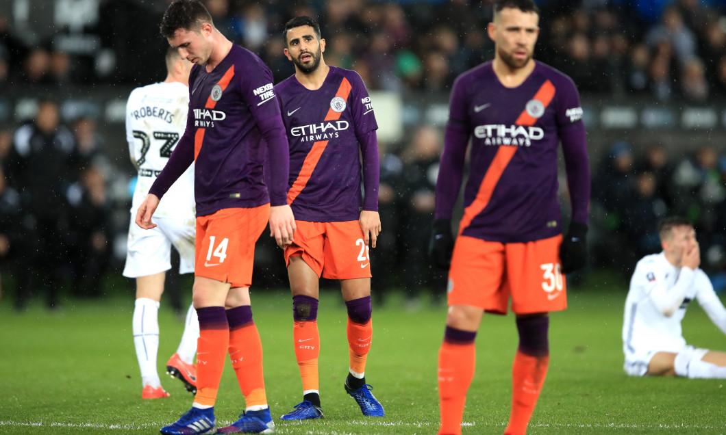 Ryad Mahrez, alături de Aymeric Laporte și Nicolas Otamendi după Swansea - Manchester City / Foto: Getty Images
