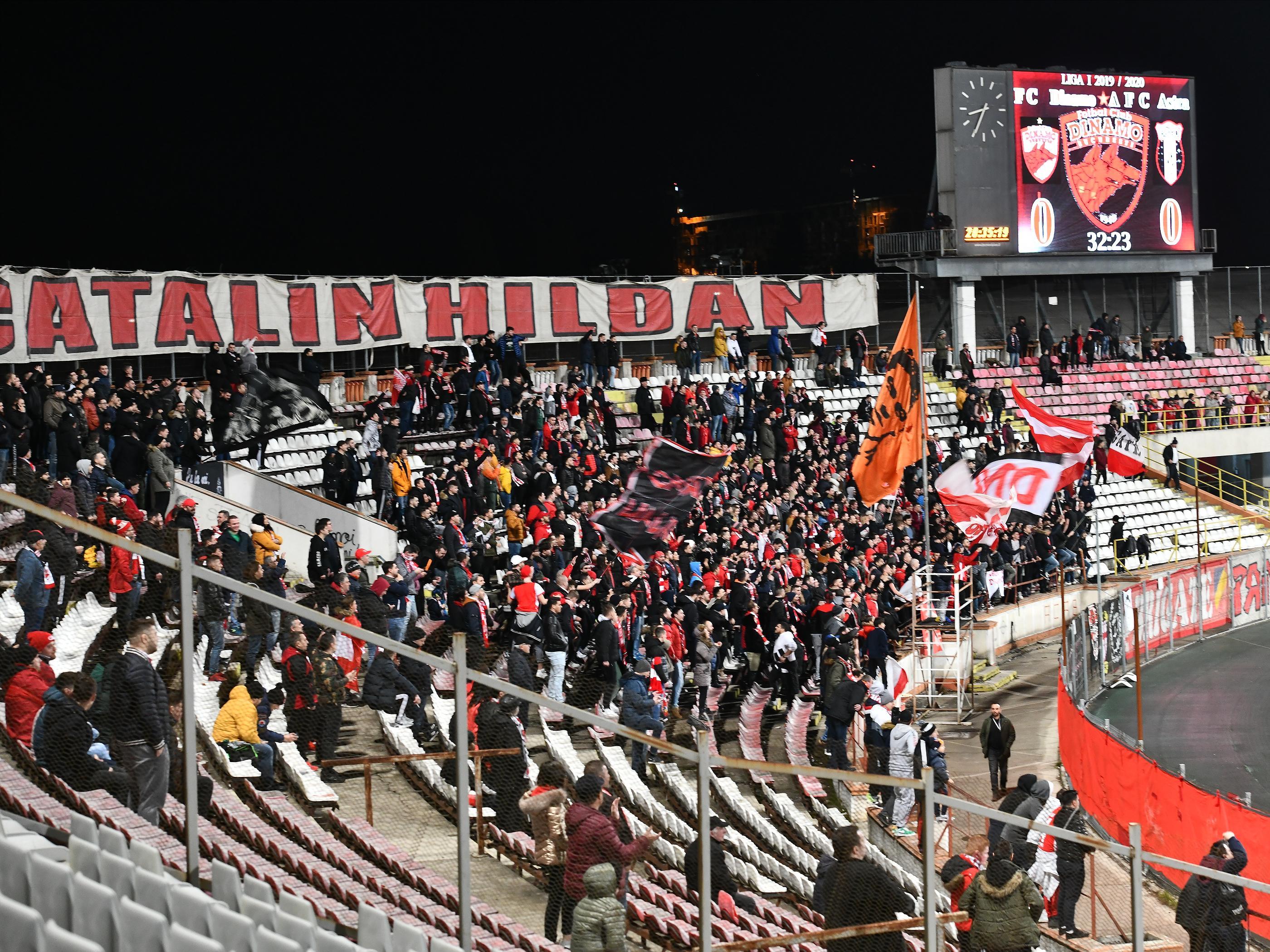 """Suporterii lui Dinamo se simt mințiți de spanioli și se răzvrătesc: """"Patronul nu e patron, e reprezentantul unor investitori!"""""""