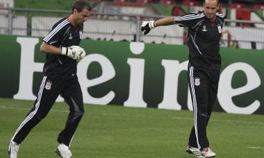 Jerzy Dudek și Pepe Reina, în timpul unui antrenament la Liverpool / Foto: Getty Images