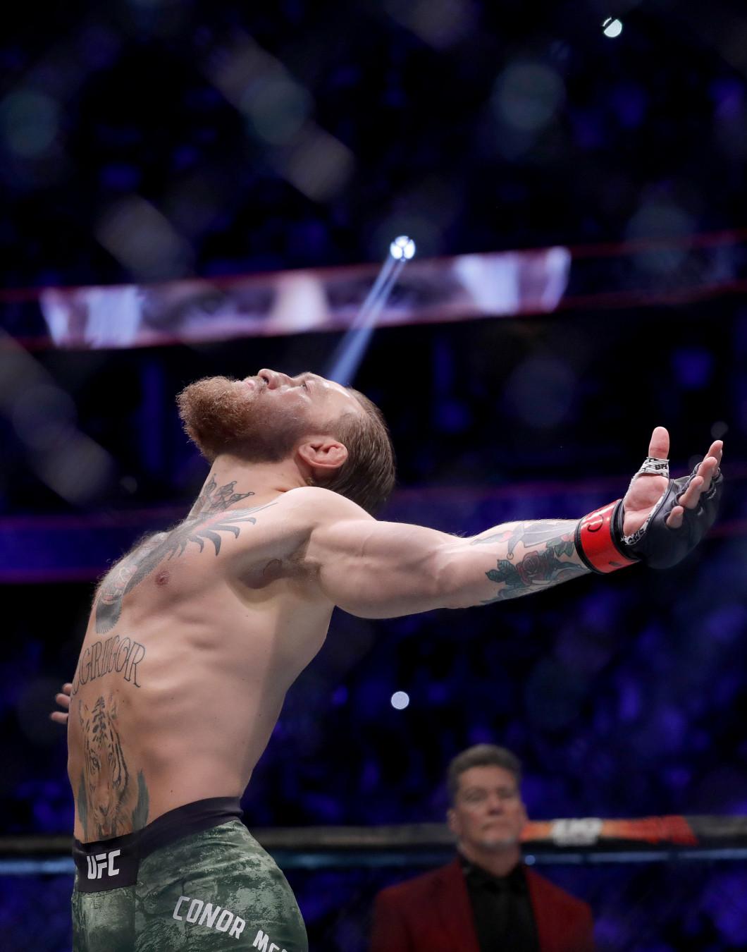 Conor McGregor v Donald Cerrone