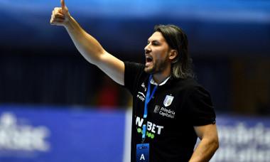 Adrian Vasile, antrenorul principal de la CSM București / Foto: Getty Images