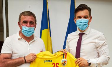 Gheorghe Hagi și Ionuț Stroe, ministrul Tineretului și Sportului / Foto: Sport Pictures