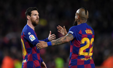 Lionel Messi și Arturo Vidal, în tricoul Barcelonei / Foto: Getty Images