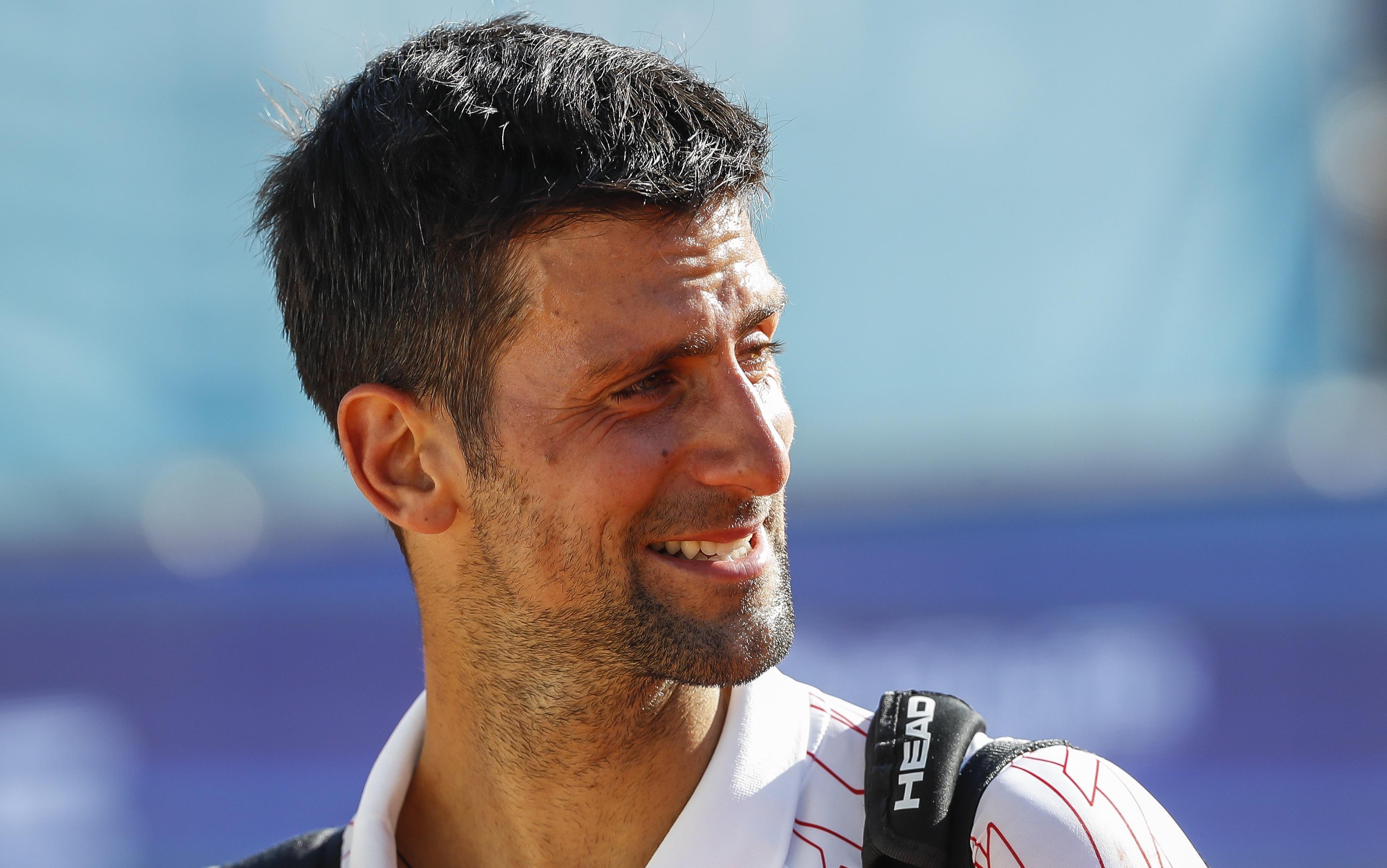 """Serbia e cu Novak Djokovic. Premierul țării, atac la contestatarii lui Nole: """"Stau pe canapea și critică!"""""""