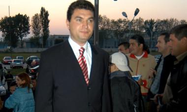 FOTBAL:STEAUA BUCURESTI-DINAMO BUCURESTI 1-1,DIVIZIA A (15.09.2002)