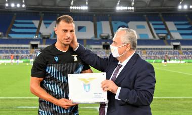 Ștefan Radu, alături de Claudio Lotito, președintele lui Lazio / Foto: Getty Images