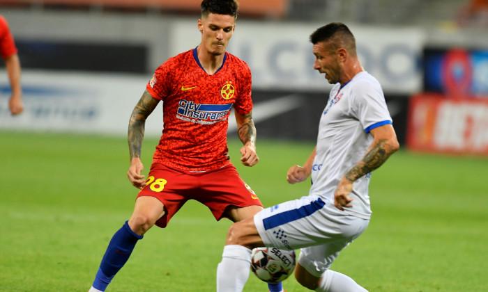 Dennis Man și Alexandru Țigănasu, în timpul meciului FCSB - Botoșani 1-1 / Foto: Sport Pictures