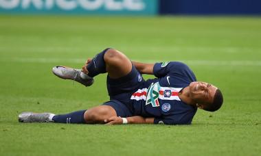 Kylian Mbappe, după accidentarea suferită în finala Cupei Franței / Foto: Profimedia