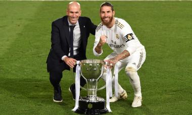 Sergio Ramos și Zinedine Zidane, după câștigarea La Liga / Foto: Getty Images
