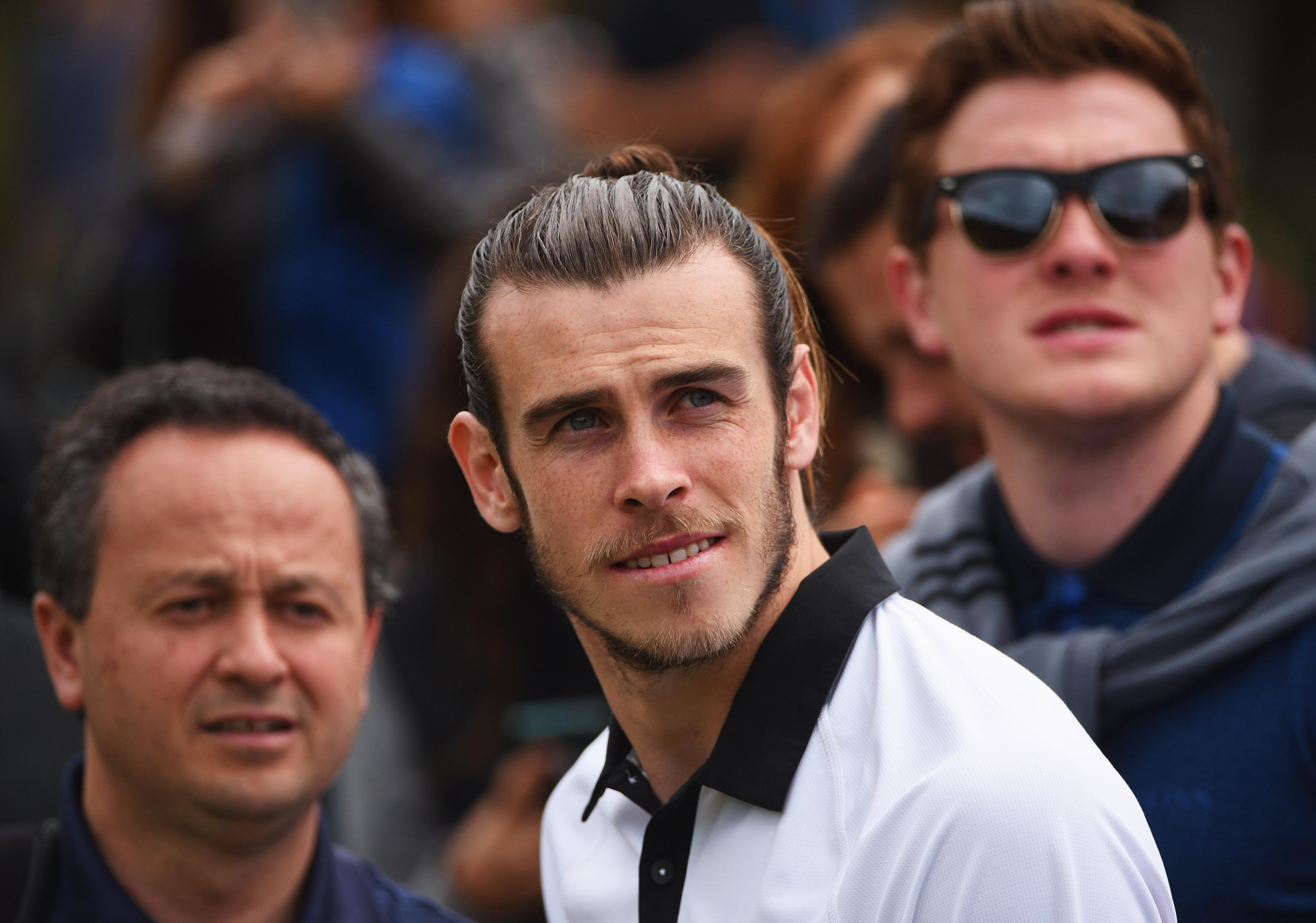 Ce s-a întâmplat la sosirea lui Gareth Bale la antrenamentul lui Tottenham. Reacția memorabilă a comentatorului BBC