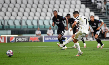 Juventus v Olympique Lyon - UEFA Champions League Round of 16: Second Leg