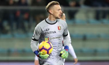 Ionuț Radu, în tricoul celor de la Genoa / Foto: Getty Images