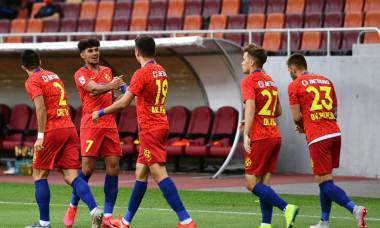 Jucatorii de la FCSB, în meciul cu Dinamo / Foto: Sport Pictures
