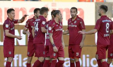 Jucătorii de la CFR Cluj, într-un meci cu Astra / Foto: Sport Pictures
