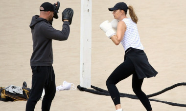 EXCLUSIVE: Maria Sharapova Looks Fierce During a Grueling Beach Workout Session in Los Angeles.