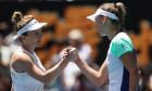 Simona Halep și Elise Mertens, după meciul direct de la Melbourne / Foto: Getty Images