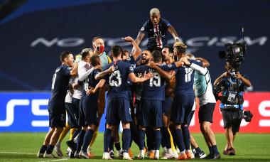 Fotbaliștii lui PSG, după victoria cu Leipzig / Foto: Getty Images