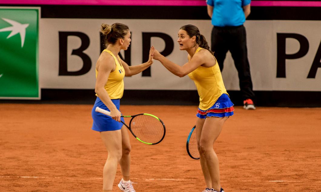 Simona Halep și Monica Niculescu, într-un meci de FED Cup / Foto: Sport Pictures
